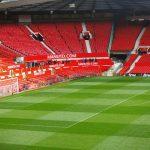Een voetbalwedstrijd in Engeland bekijken